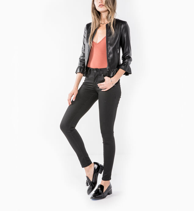 Suki Super Skinny Black Wash