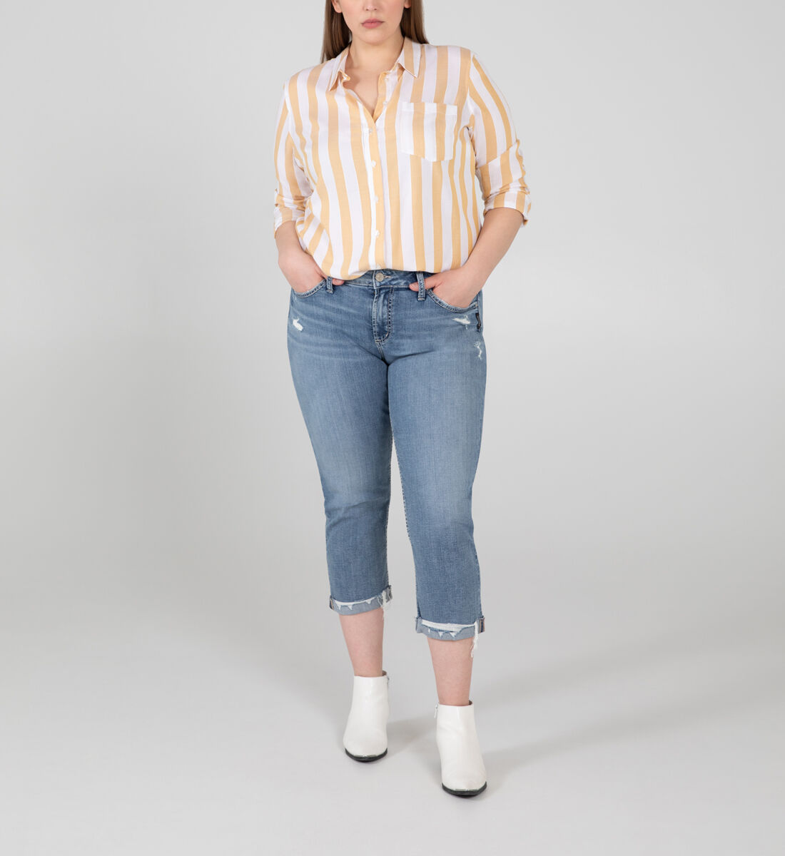Suki Mid Rise Capri Plus Size Front