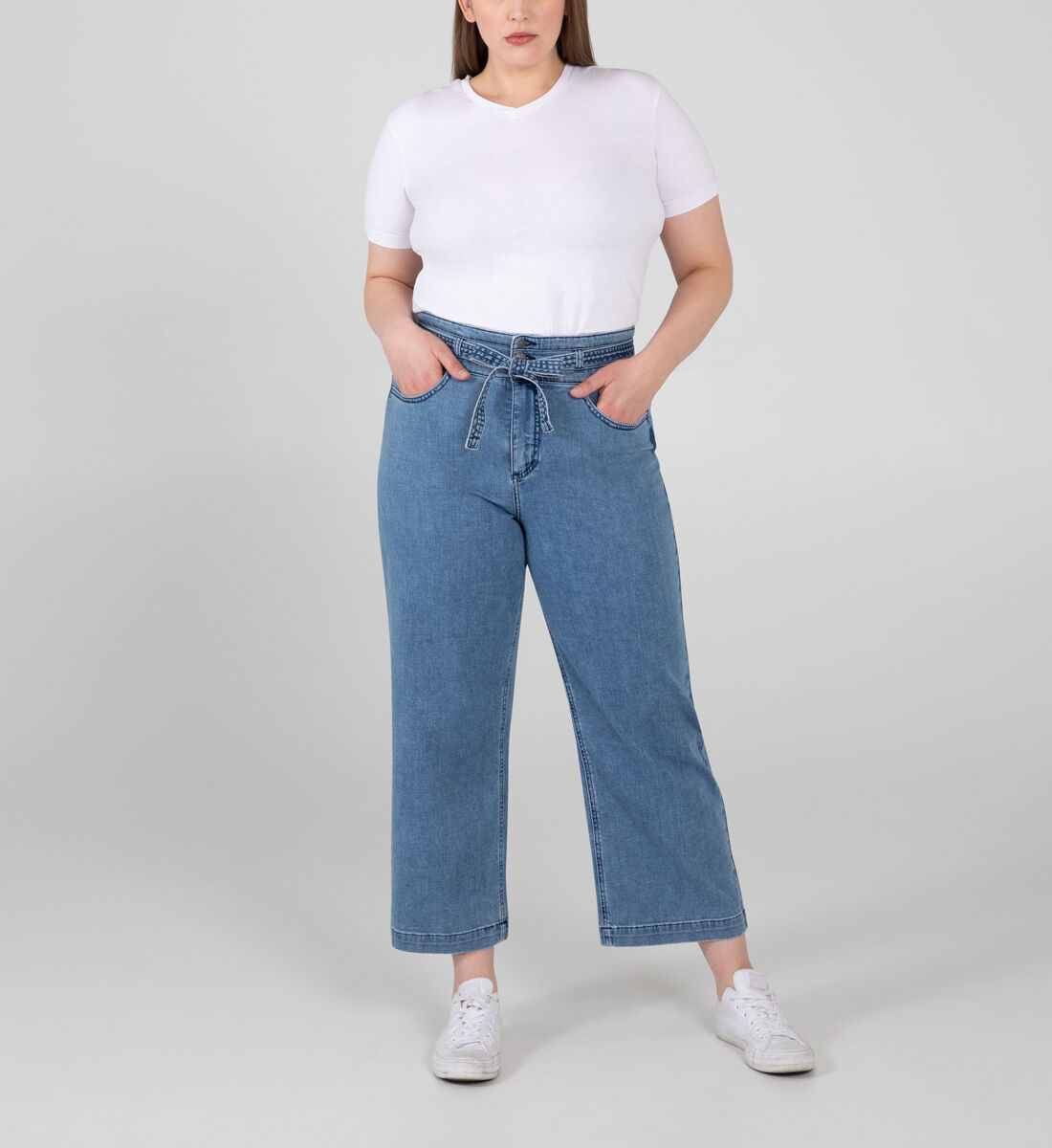 Belted High Rise Wide Leg Crop Jeans Plus Size Front