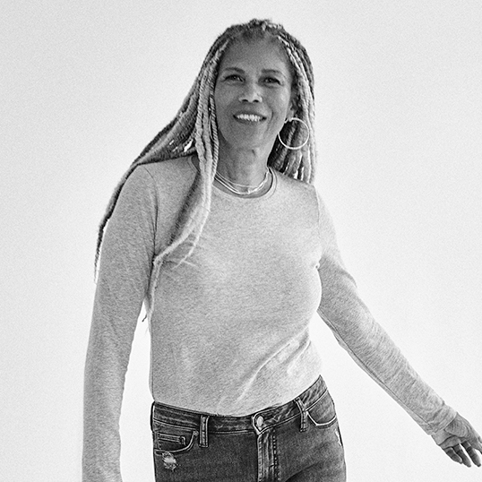 Silver Jeans Co.- Image of Sherri wearing a favorite fit