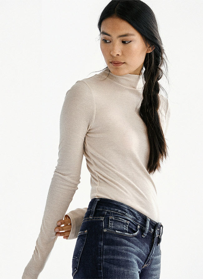 Silver Jeans Co.- Image of Lily wearing Suki