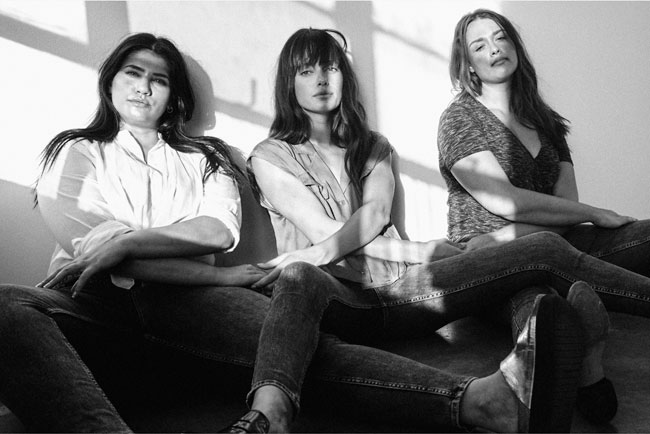 Silver Jeans Co. - Headliners Image