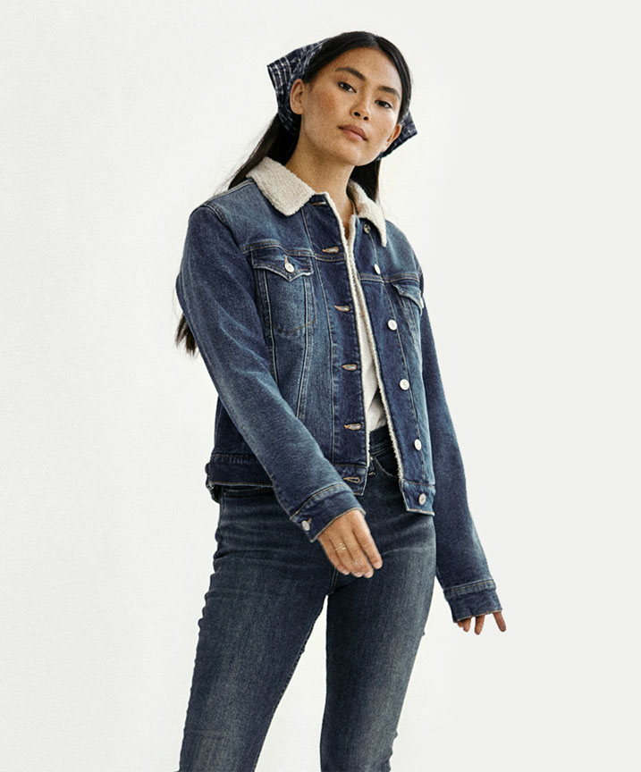 Silver Jeans Co.- Image of Lily standing wearing her perfect fit