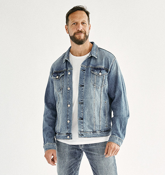 Image of Male wearing Silver Jeans Co. Mens styles