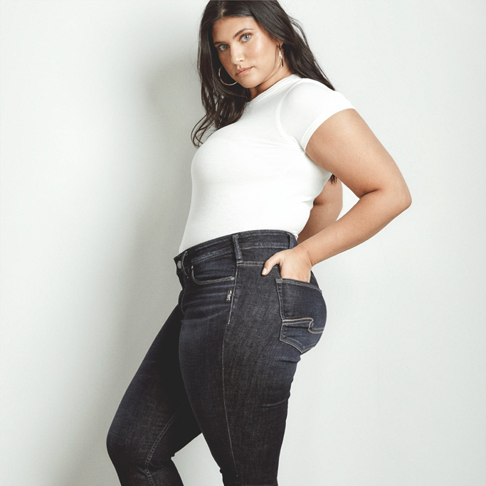Silver Jeans Co. - Elyse Skinny modeled in a size 16