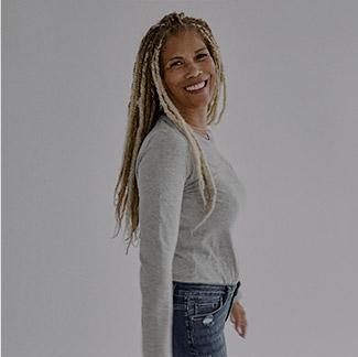 Silver Jeans Co.- Image of Sherri