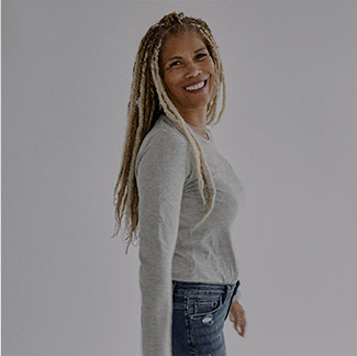 Silver Jeans Co.- Image of Sherri