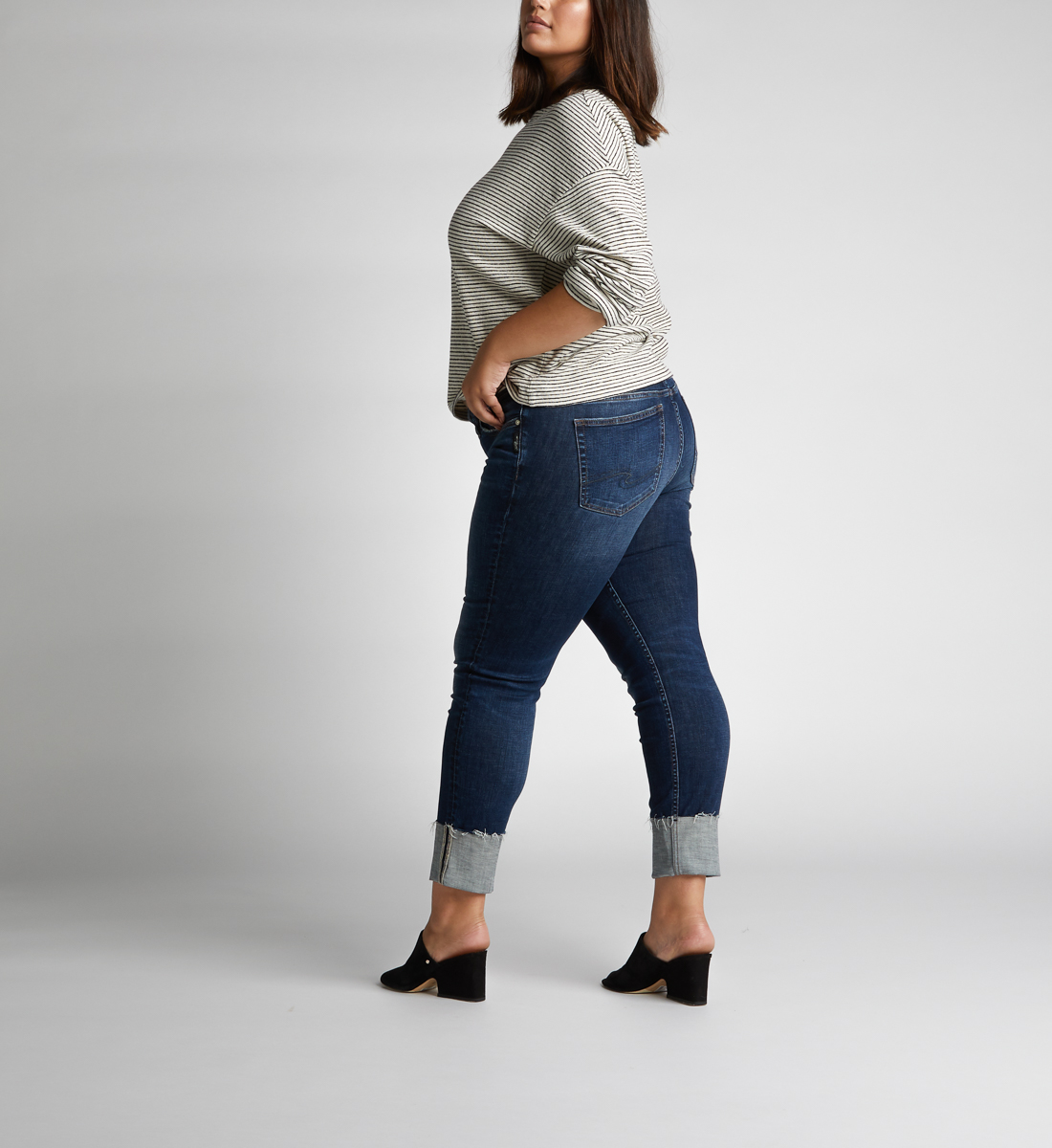 80548d7fc656a Elyse Mid Rise Slim Leg Jeans Plus Size - Silver Jeans CA