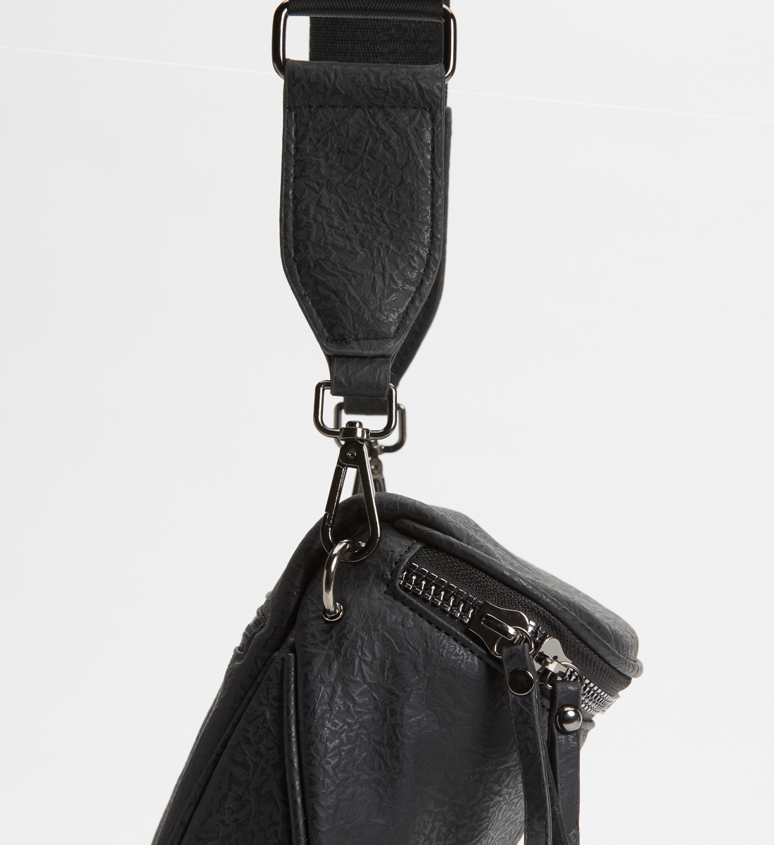 Zip Saddle Bag,Black Alt Image 1