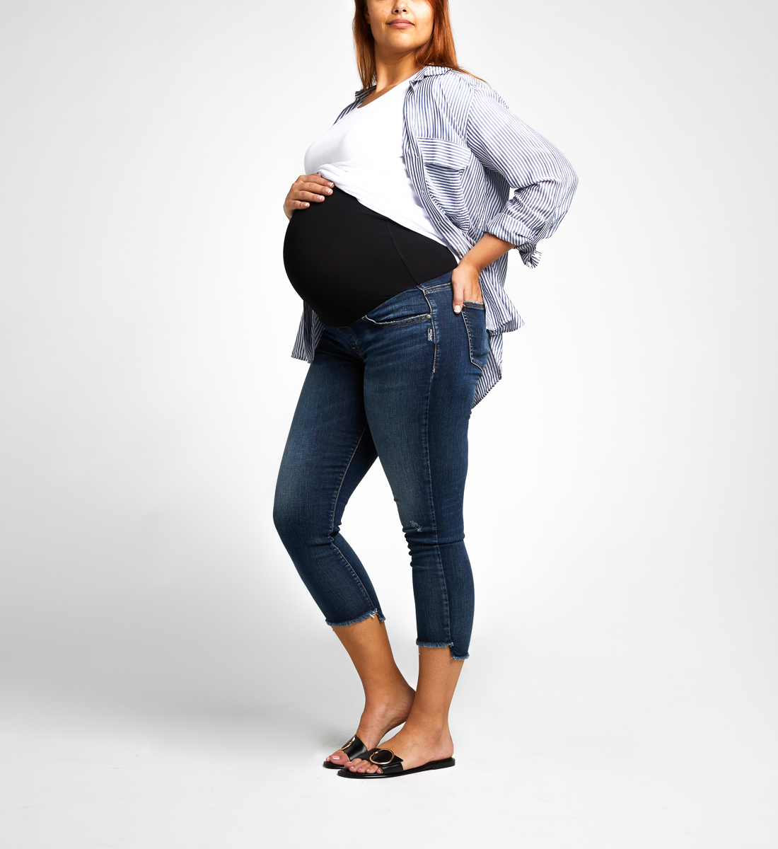 Avery Skinny Crop Maternity Jeans Alt Image 2