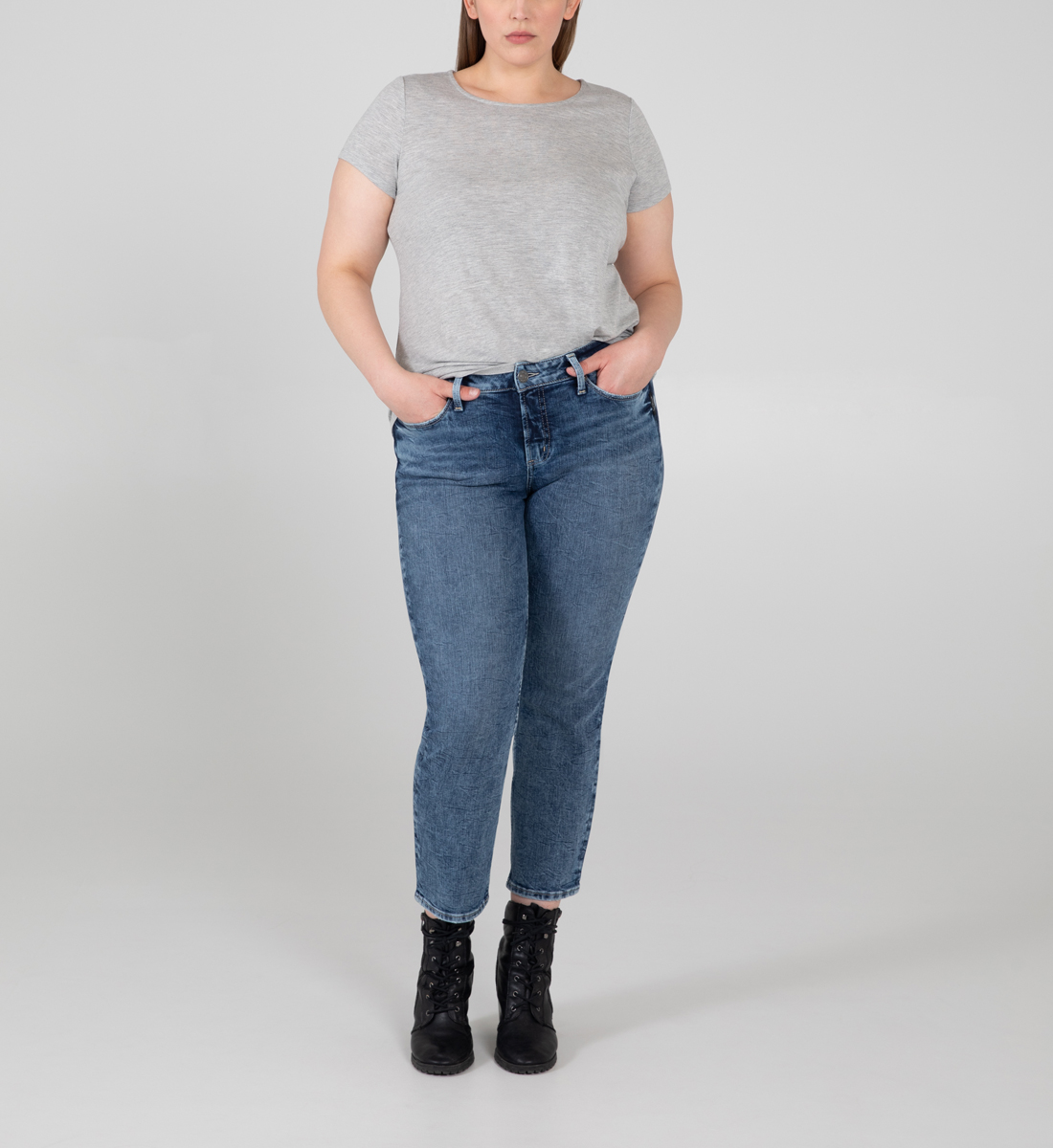Silver Jeans Suki Mid Rise Straight Crop Jeans Plus Size